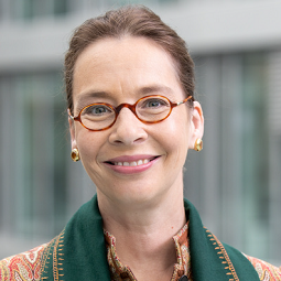 Victoria Ossadnik